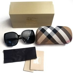 NWOT Burberry Sunglasses Classic Print On the side